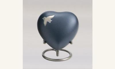 Aria Ascending Keepsake Heart
