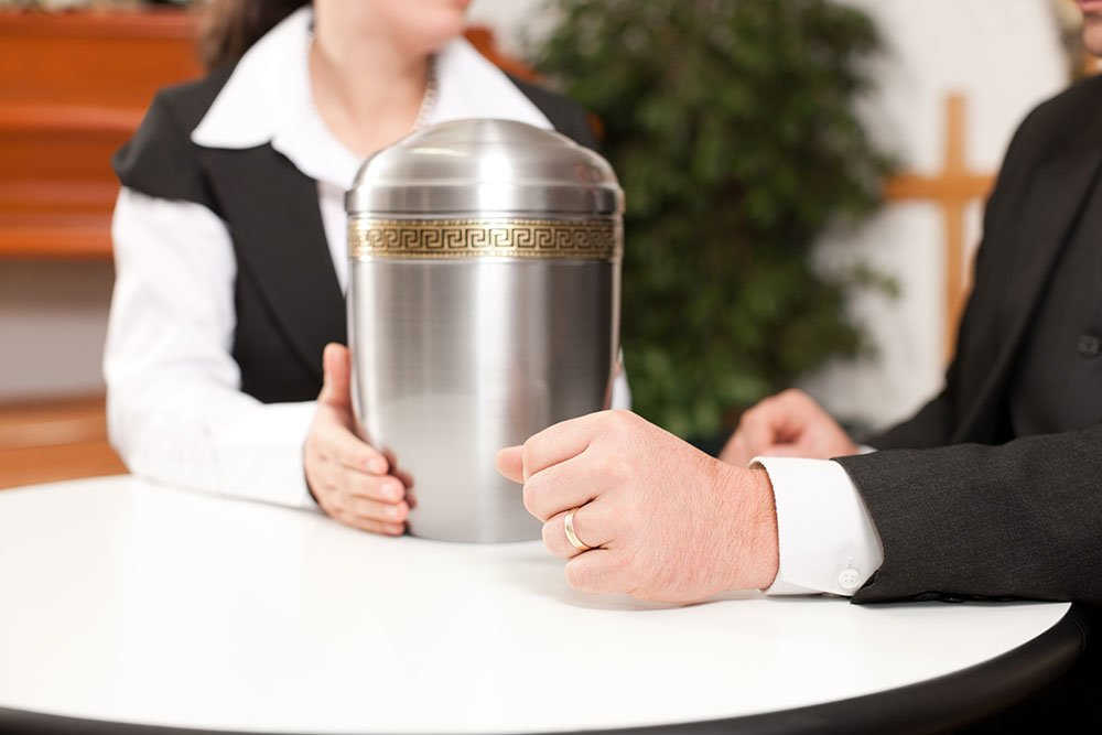 Choosing the Right Cremation Urn For You