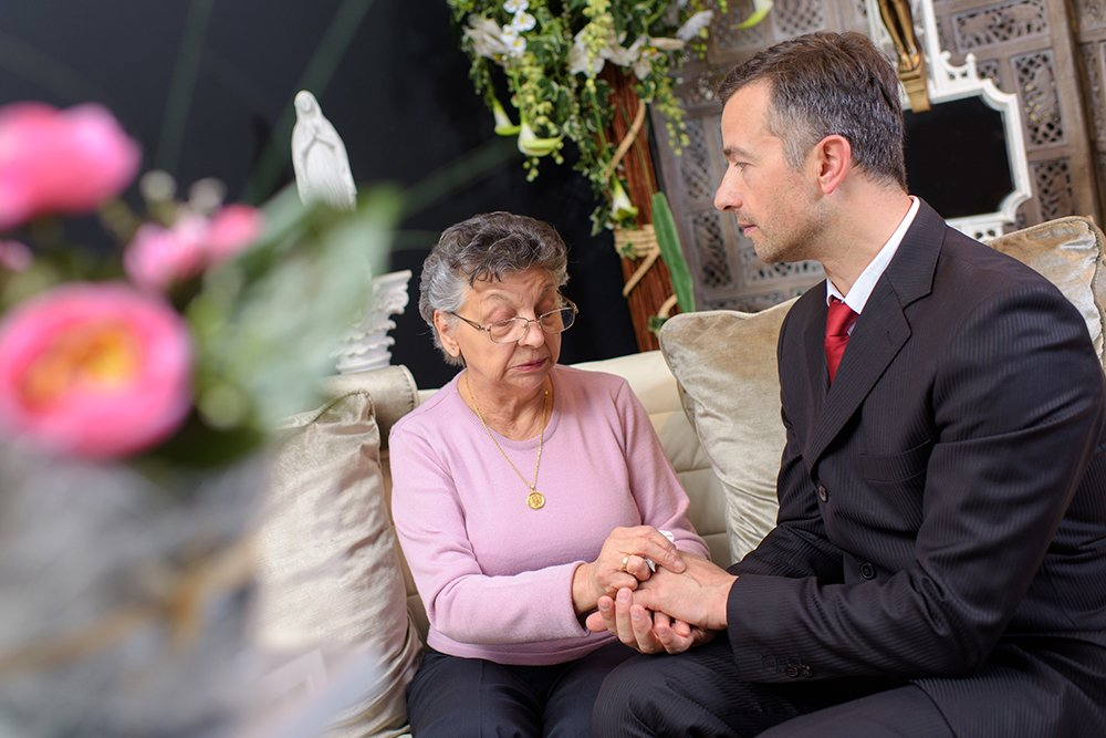 The Crucial Role of a Funeral Director in the Funeral Process